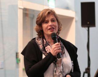Canon hadde sendt Anne-Marie van der Laan til å fortelle litt om teknologien bak.