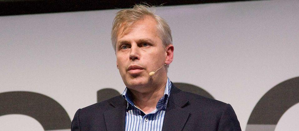Direktør Karsten Gewencke i Zyxel mener bredbåndsoperatører må ta ansvaret for brukeropplevelsen helt fram til kundens enheter. Det betyr kontroll over wifi-nettet hjemme hos kundene.