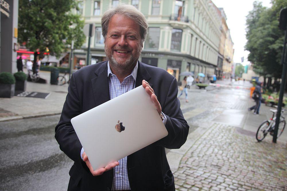 Vinn en MacBook: - Vi vil høre om alt fra spennende teknologi på vei opp, eller etablert teknologi brukt på en ny måte, sier Jan M. Moberg, administrerende direktør i Teknisk Ukeblad. Nominerte kandidater til Norwegian Tech Award er med i trekningen om Apples siste MacBook (256 GB).