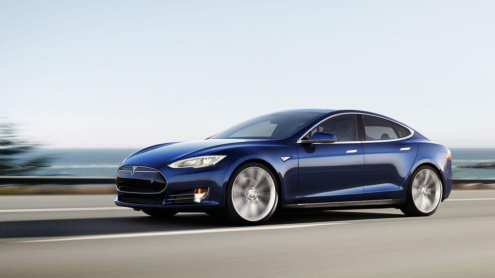 Tesla har gjort det skarpt med sin elektriske Model S så langt, men nå får deres P85Dmotbør i brukerundersøkelse.