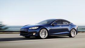 Tesla har gjort det skarpt med sin elektriske Model S, og har flere modeller på vei. Det er mye som tyder på at de ikke får dominere elbilmarekdet med luksuselbiler altfor lenge.