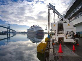 Cavotec har levert et mobilt landstrømsystem til Los Angeles. Det benyttes av tre cruiserederier: Disney Cruises, Princess Cruises og Norwegian Cruise Line.