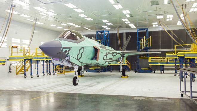 Første norske F-35 er i lakkeringshallen