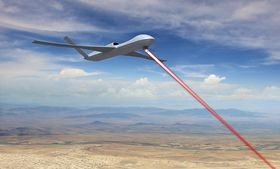 General Atomics Avenger, også kalt Predator C, blir den første dronen som utrustes med lasersystemet HELLADS som etter planen skal få en lasereffekt på 150 kW. Nå jobber USA med å utruste droner med laserkanoner i megawattklassen til forsvar mot ballistiske missiler.