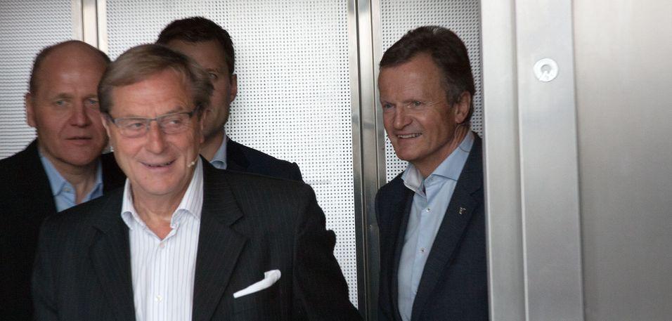 Konsernsjef Sigve Brekke, her i heisen sammen med avgått styreleder Svein Aaser og avgått konsernsjef Jon Fredrik Baksaas den dagen Brekke ble kunngjort som ny konsernsjef.