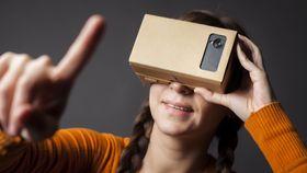 Å se 360-graders videoer på YouTube vil kreve VR-briller, for eksempel Googles egne Cardboard.