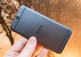 HTC One A9 er den siste modellen HTC har lansert så langt. HTC One X9 ser ut til å bli et billigere alternativ.