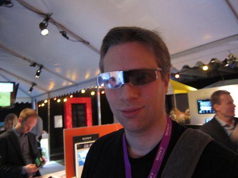 3D-briller for TV-bruk har ikke alltid vært like moteriktige.