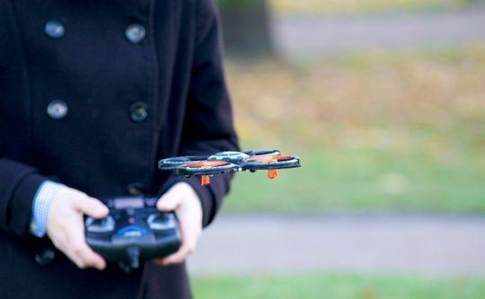UDI Mini Drone er forholdsvis enkel å manøvrere.
