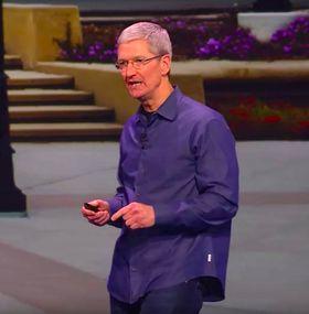 Tim Cook har ikke troen på hybridprodukter. Her fra lanserinen av iPhone 6.