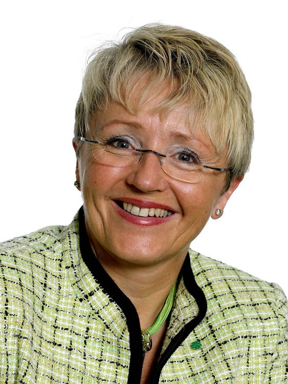 Samferdselsmninister Liv Signe Navarsete (Sp)