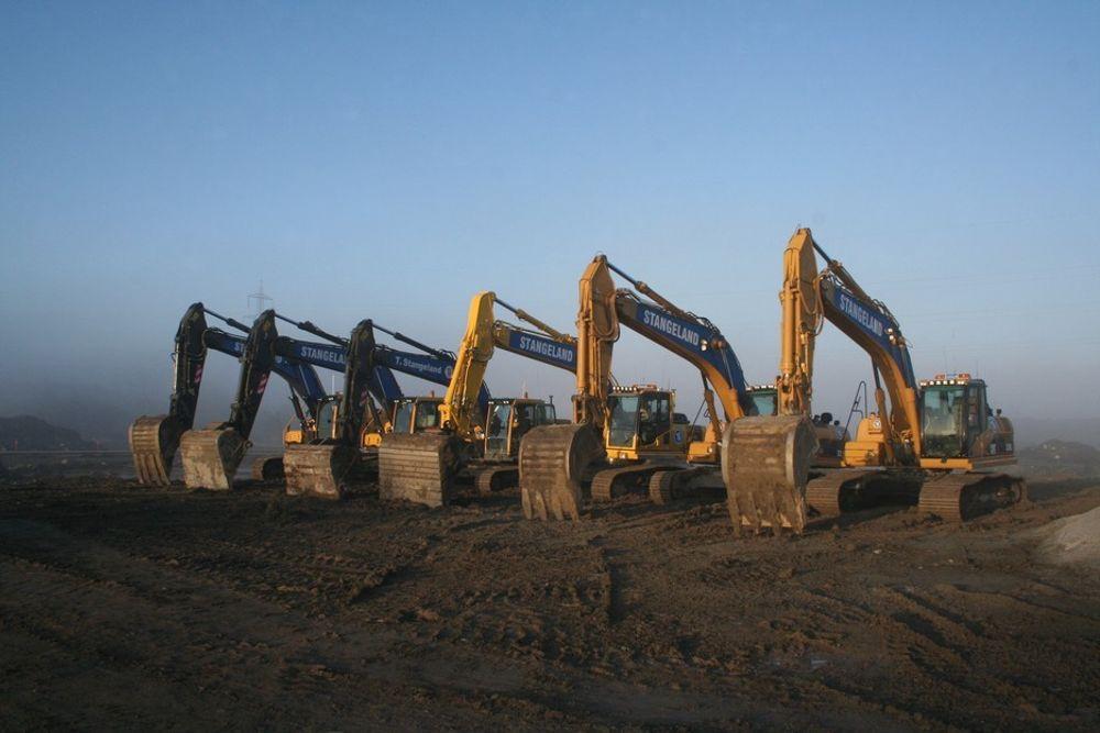 Seks av Stangeland Maskins gravemaskiner på anlegget er utstyrt med GPS maskinstyring.