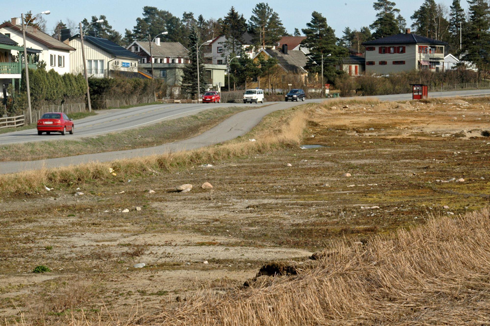 Fire-feltsveg mellom Skedsmovollen og Skedsmokorset kan bli billigere enn Vegvesenet hadde regnet med. Vegen skal gå der matjorden er fjernet.