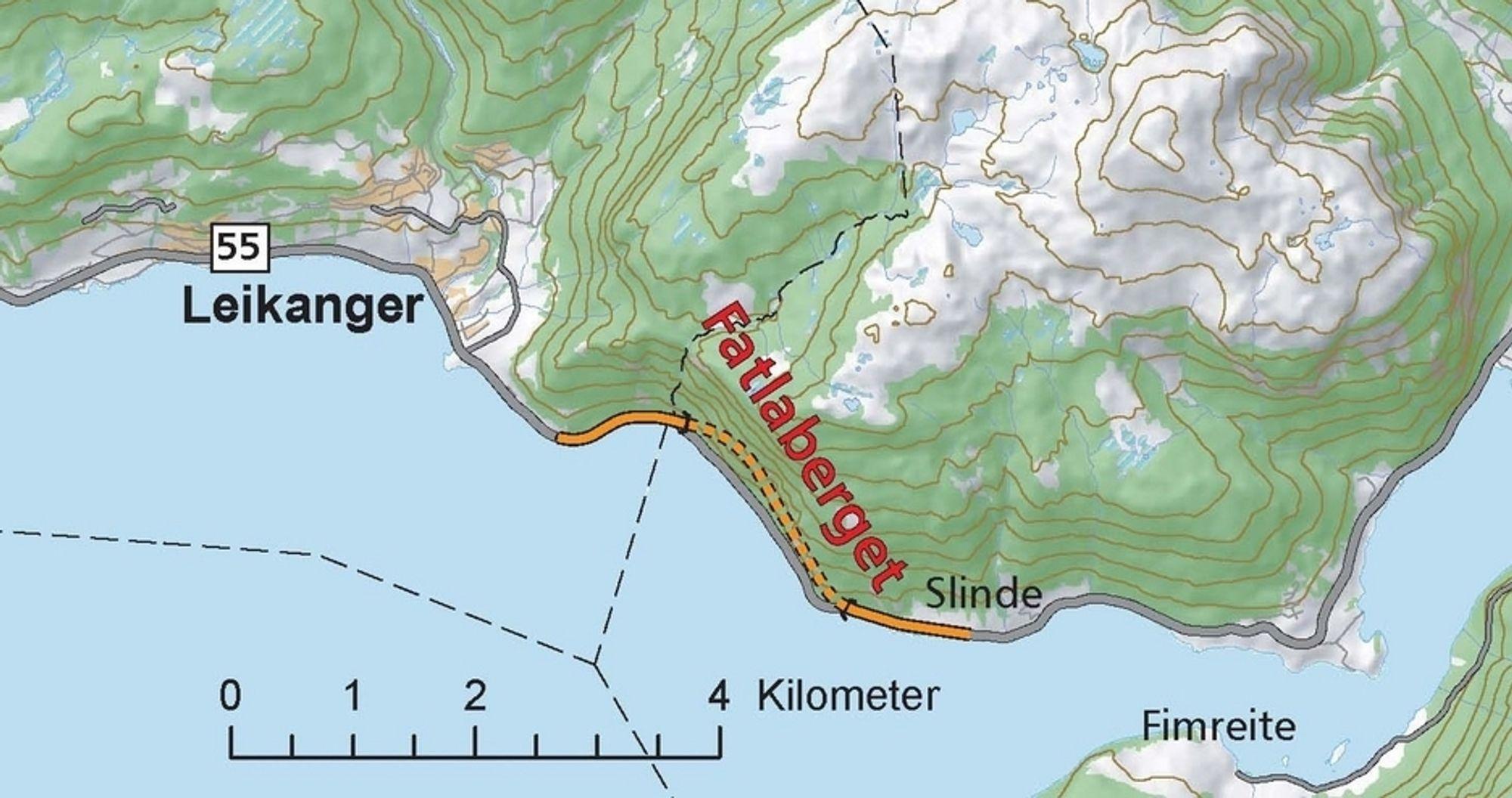Riksveg 55 langs foten av Fatlaberget er svært rasutsatt. Til tross for høye anbud ser det nå ut til at tunnelen som skal sikre vegen blir ferdig i november 2008, slik framdriftsplanen forutsetter. (Ill.: Statens vegvesen)