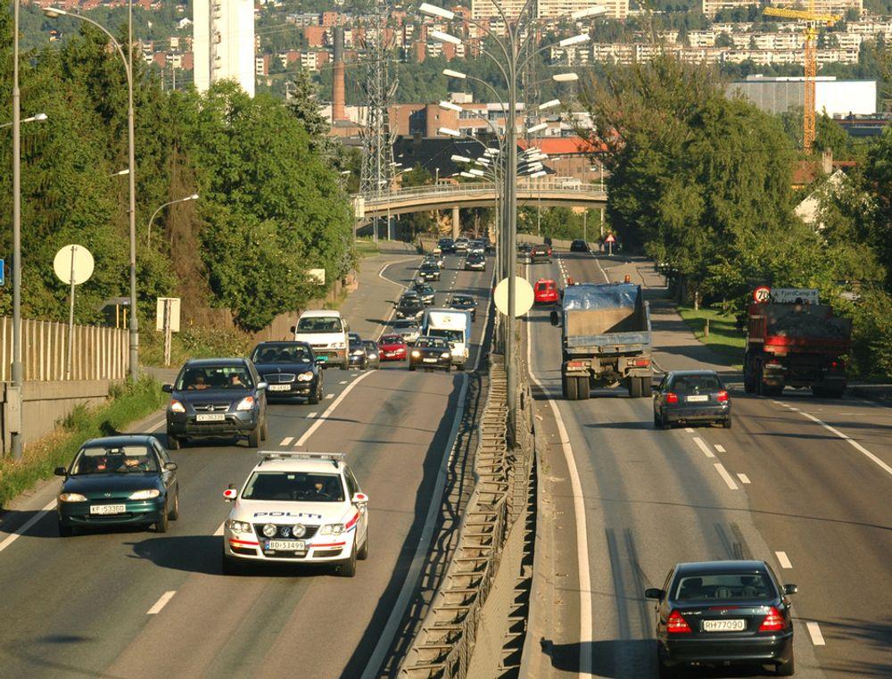 I dag går Ring 3 som en effektiv barriere gjennom bydelen Løren. Når Lørentunnelen blir ferdig om fem års tid, blir den bygd om til lokalveg. Da åpner det seg store muligheter for byutvikling. (Foto: Anders Haakonsen)