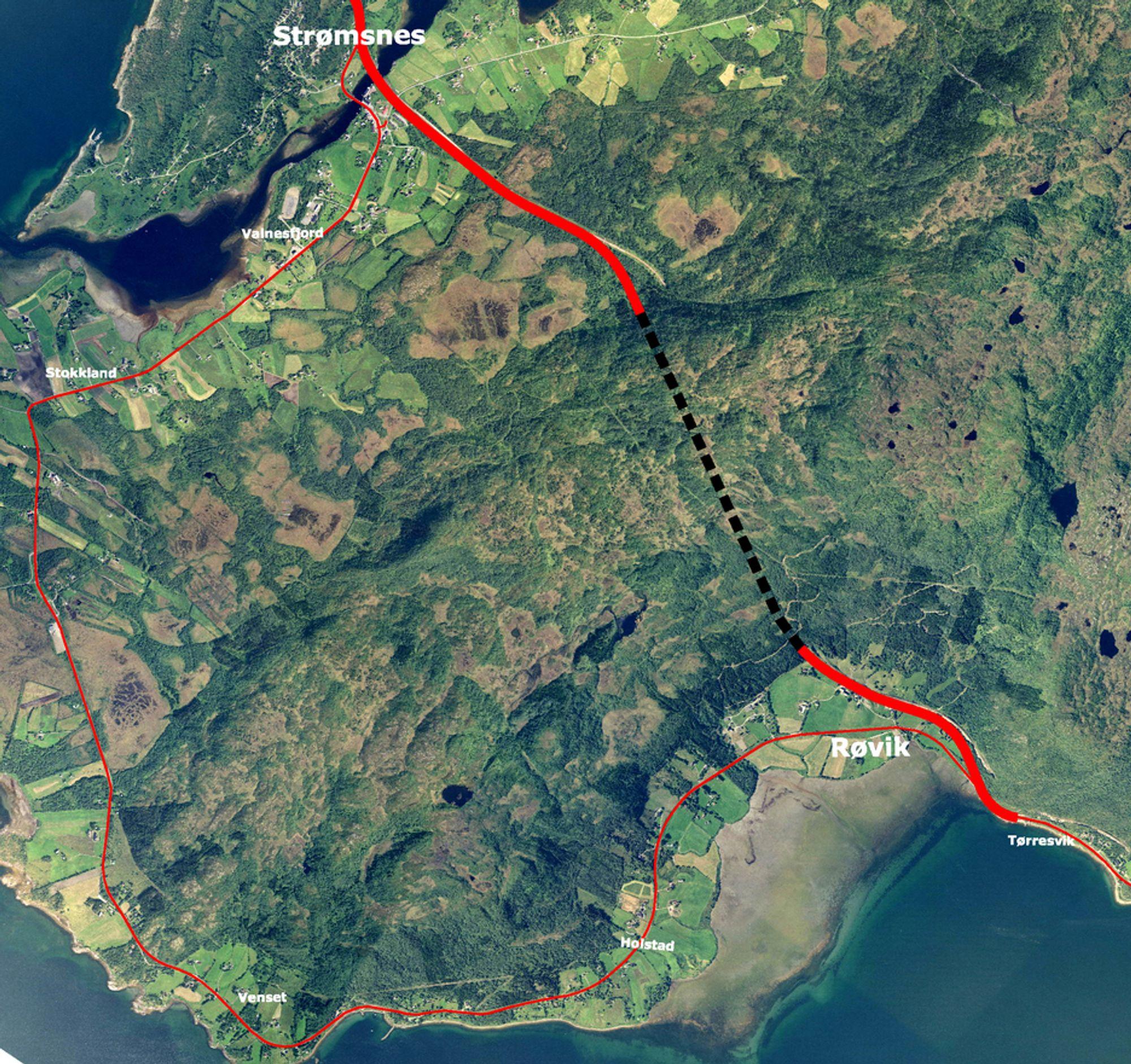 Avstanden mellom Røvik og Strømsnes blir redusert til det halve når den nye rv 80 blir ferdig i 2011. (Ill.: Statens vegvesen)