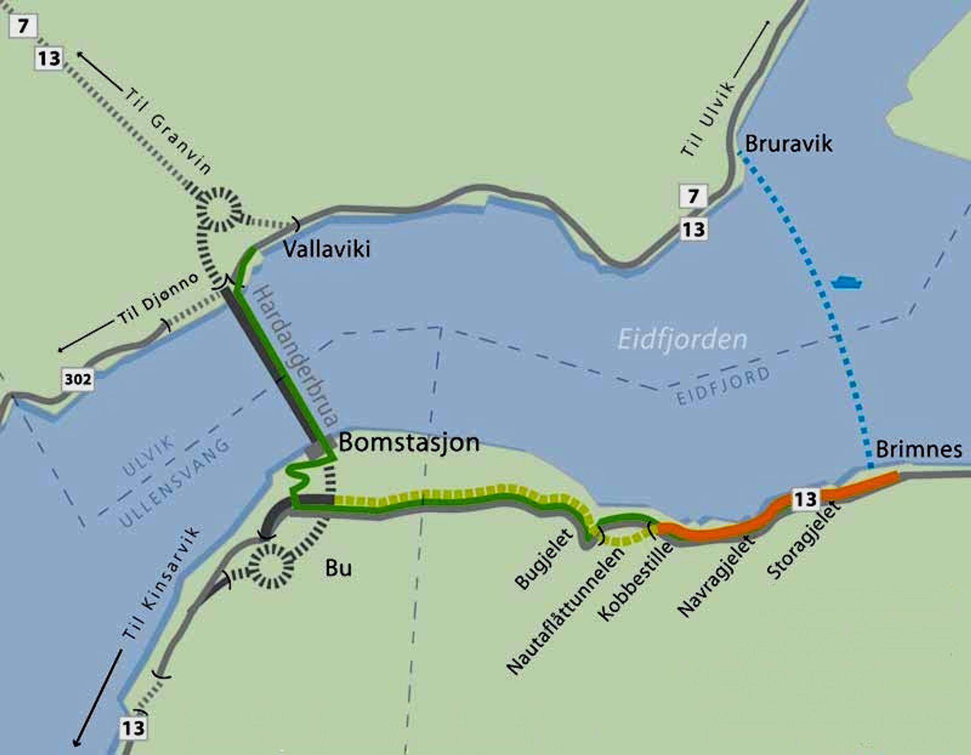 Strekningen som skal utbedres i denne omgangen er markert med oransj. Den stiplete grønne linjen markerer strekningen som skal utbedres med sprengstein fra tilstøtende veger til Hardangerbrua. (Ill.: Statens vegvesen)