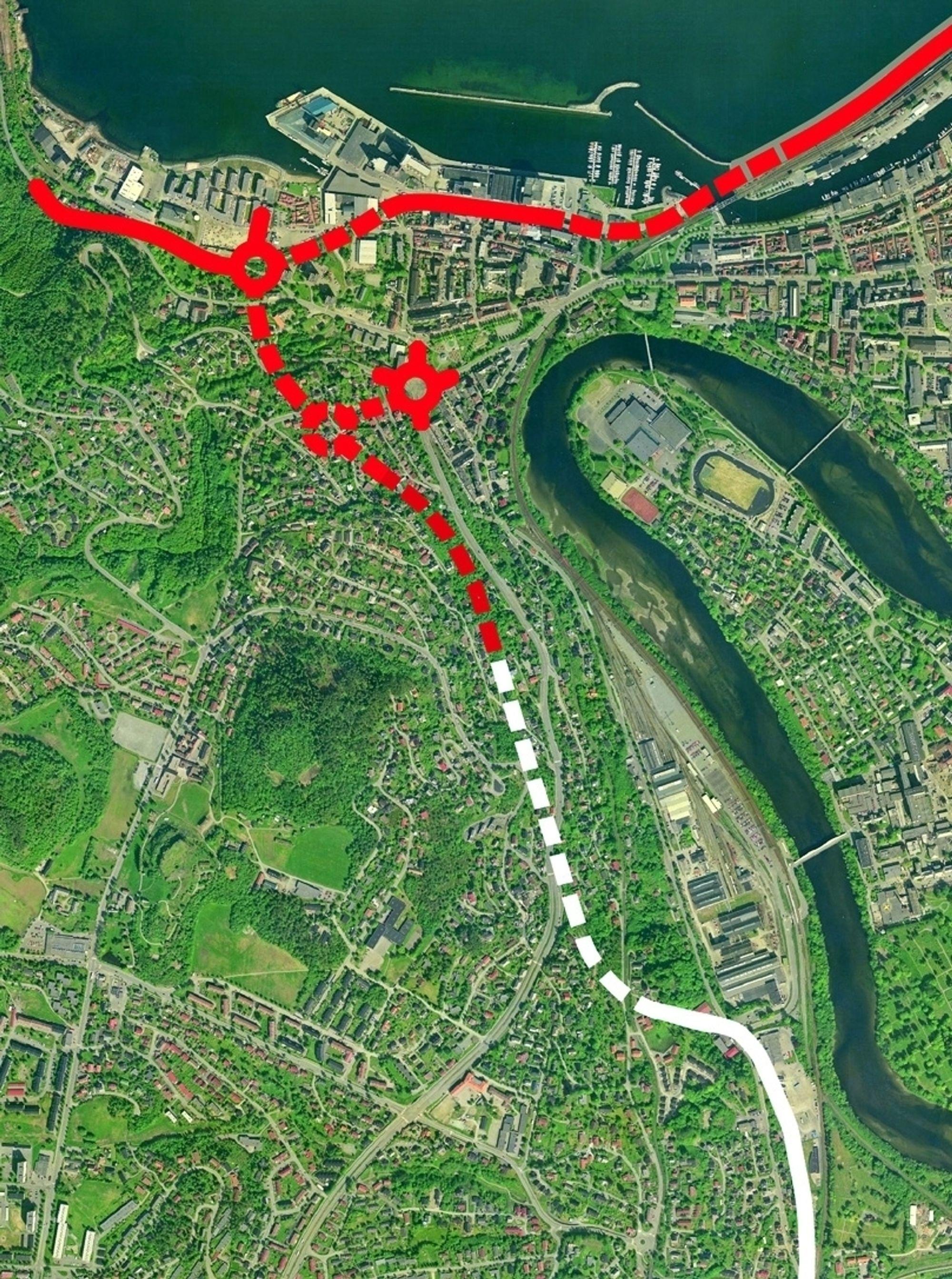 Den hvite linjen markerer den delen av Steinbergtunnelen som inngår i siste entreprise. Bildet gir ikke helt riktig bilde av situasjonen. Den hvite linjen skulle gått opp til rundkjøringen lenger nord. (Ill.: Statens vegvesen)