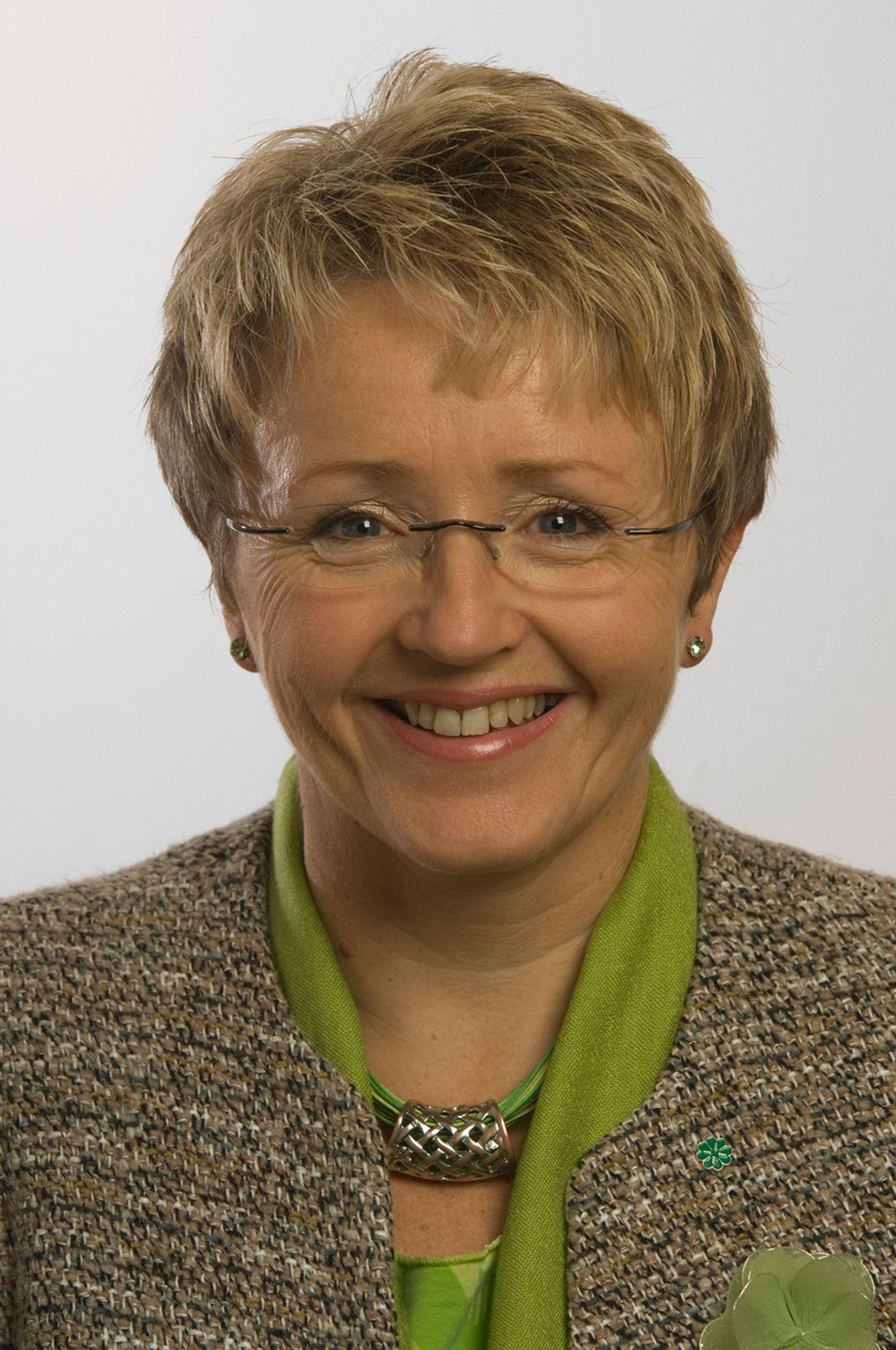 Samferdselminister Liv Signe Navarsete