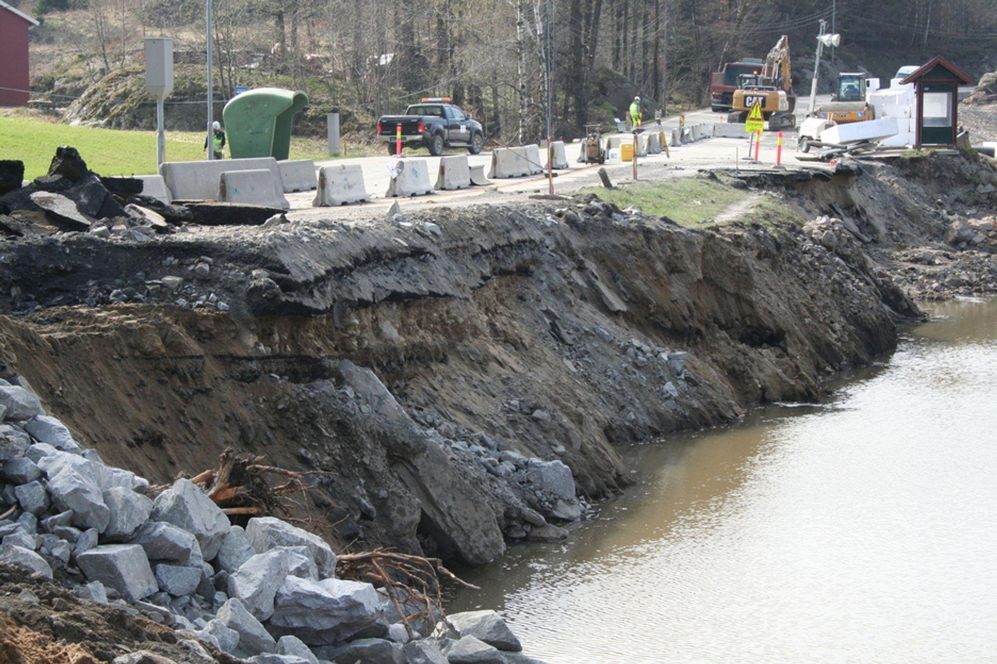 Kvikkleire i grunnen førte til at 50 meter av E18 raste ut ved Lillesand