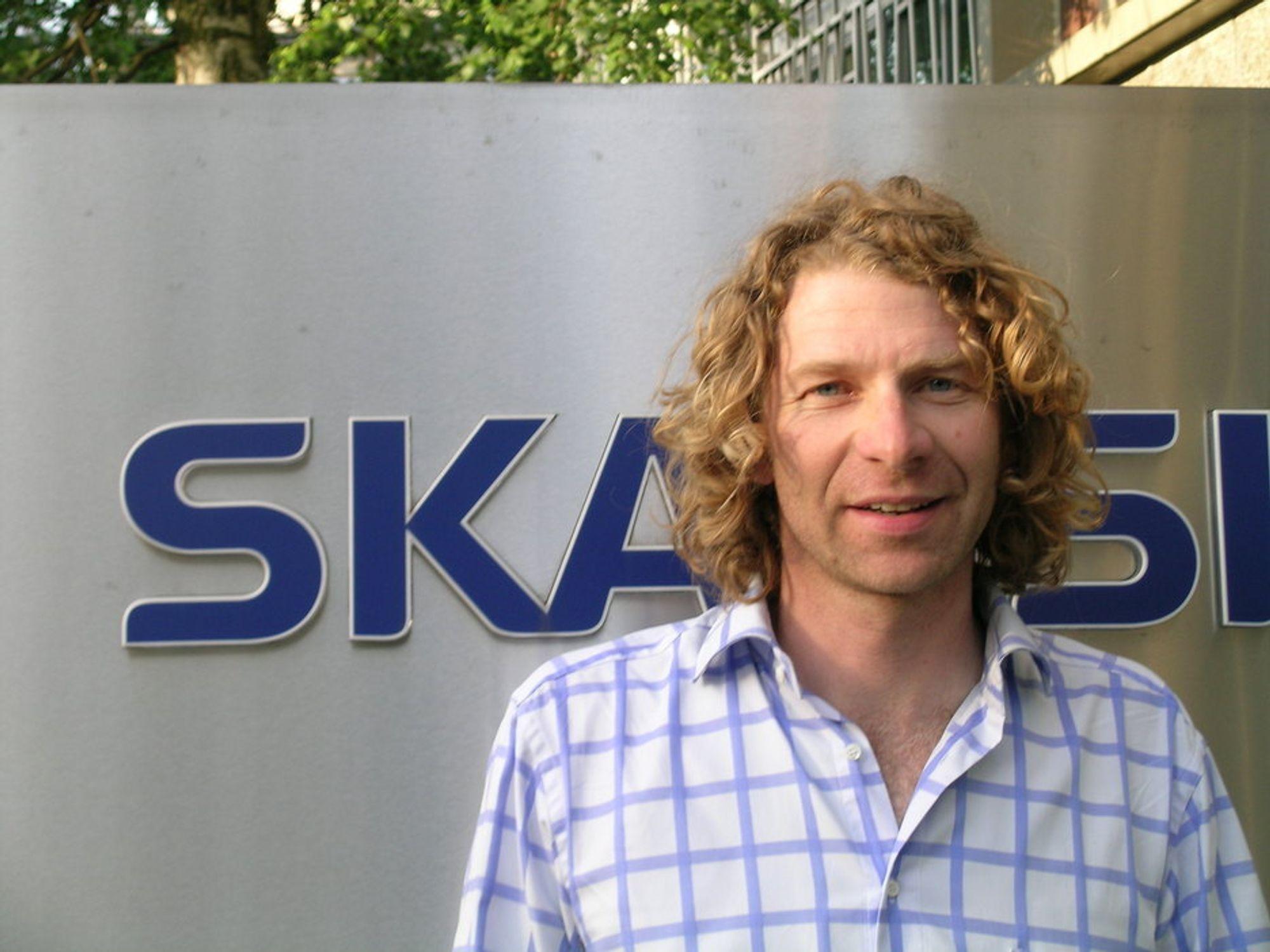 Mats Rönnbo ble kastet som leder i Foreningen Asfalt og Veiservice etter benkeforslag på årets generalforsamling. Resultatet er at både Skanska og Mesta melder seg ut av foreningen.