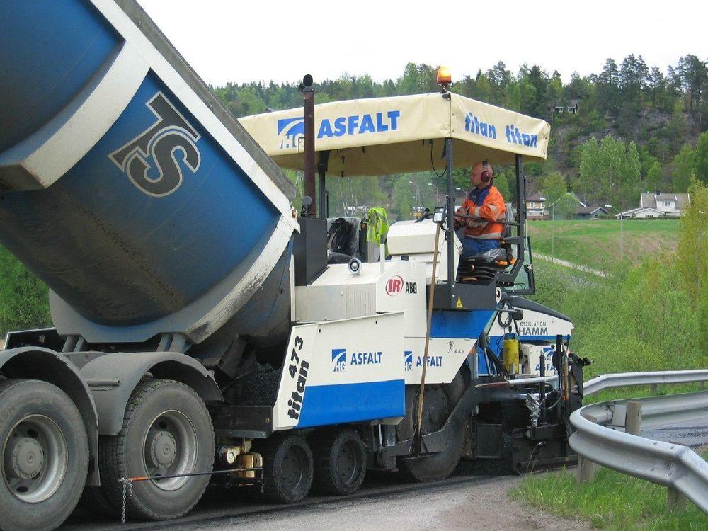 Lyser ut asfaltkontrakter for 1.5 mrd