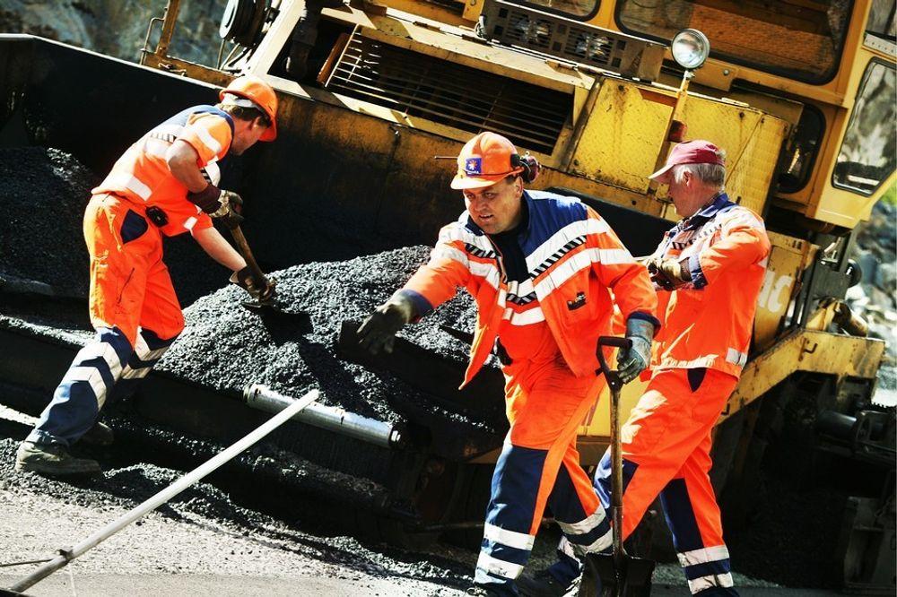 Mesta gir opp asfalt og pukk