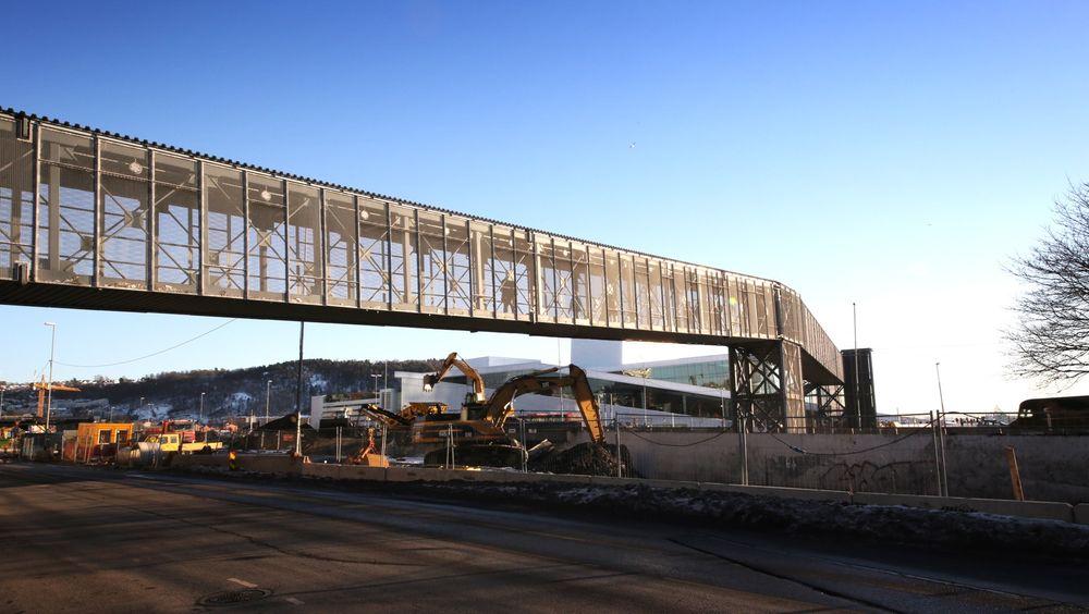 Operabroen fra Oslo S til Operaen har fått nytt tilholdssted. Fra september blir den å finne på Rudskogen motorsenter.