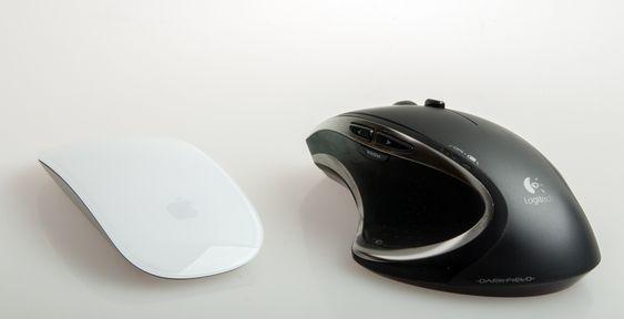 Logitech Performance MX er en mye bedre mus, men den ser jo ikke like lekker ut som Magic Mouse 2.