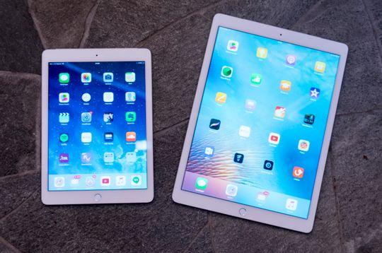 iPad Air 2 ved siden av iPad Pro. I kveld får vi sannsynligvis se en iPad Pro med samme skjermstørrelse som gamle Air 2.