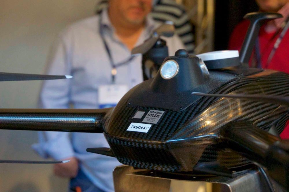 Slik ser det ut når du har over en million kroner å bruke på en drone. Lite eller ingenting av denne dronens konstruksjon består av noe annet enn karbonfiber.