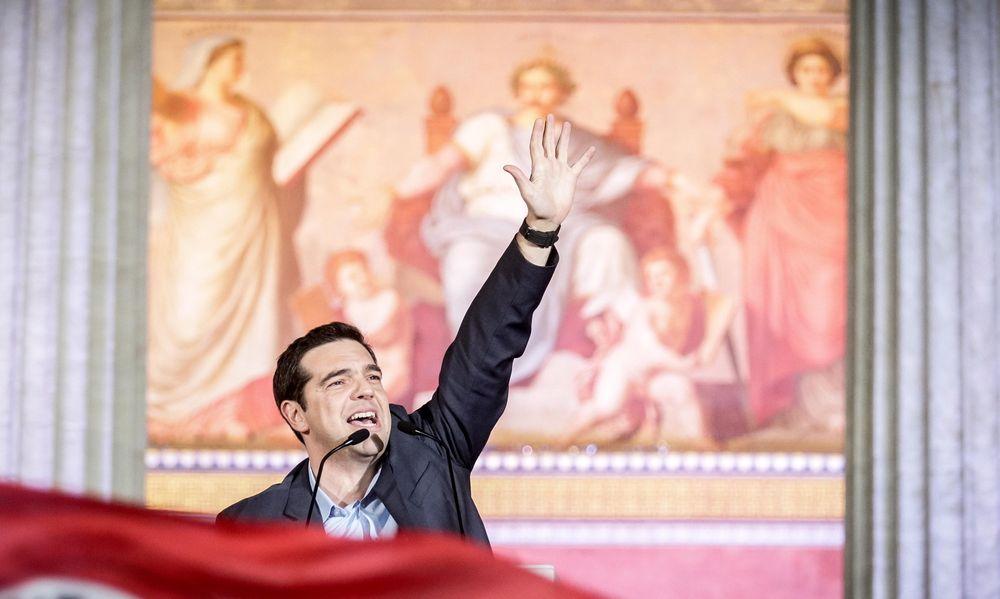 Alexis Tsipras feirer valgseieren i Hellas 25. januar.