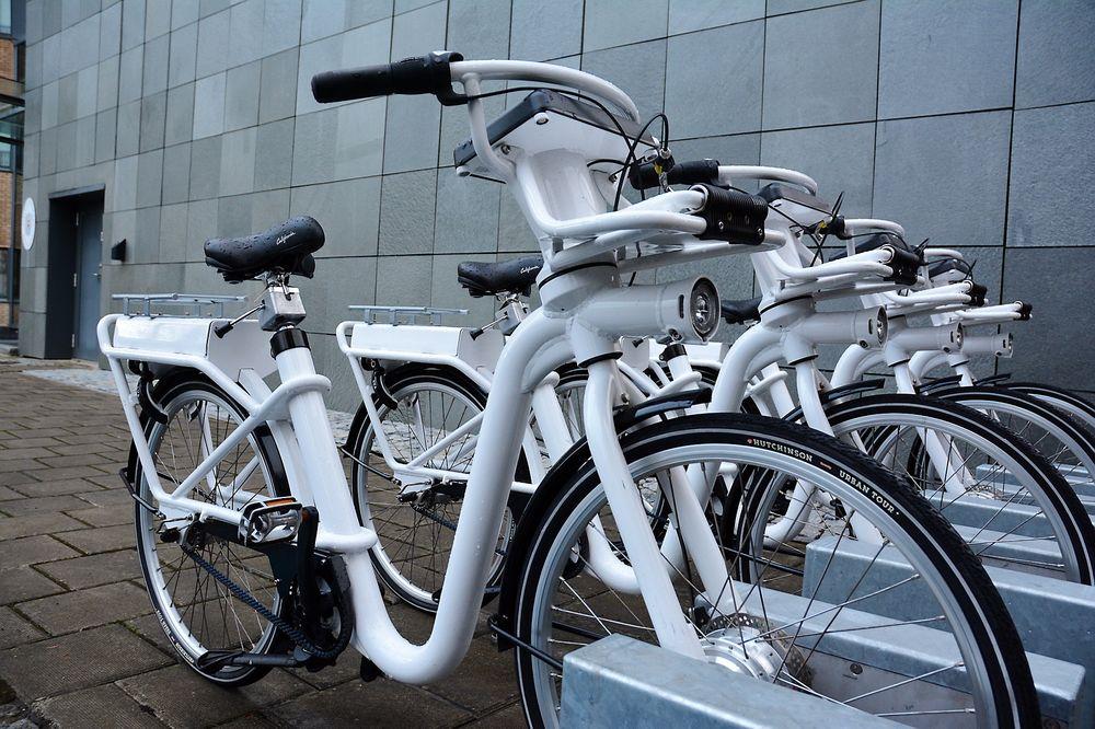 Elbysyklene på Forus og i Stavanger er de første elsyklene i en bysykkelordning i Norge. Syklene er levert av Gobike, som brukes i elbysykkelordningen i København.
