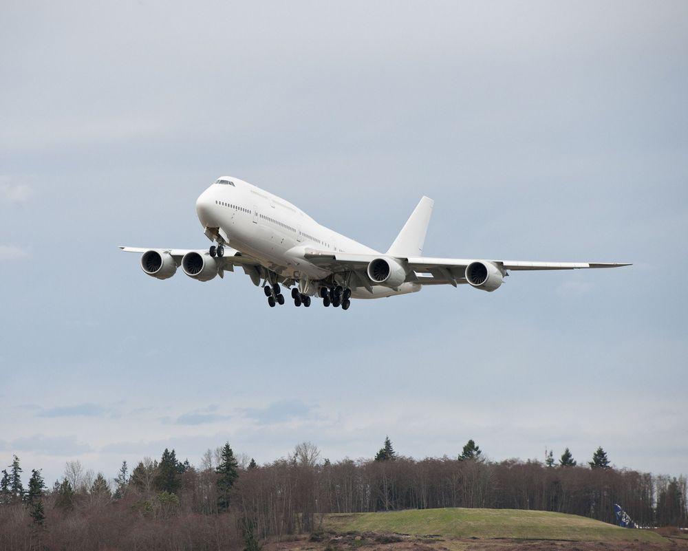Her er et Boeing 747-8I i vip-konfigurasjon på leveringsferden fra Boeing-fabrikken for tre år siden. Det er et tilsvarende fly som kommende presidenter i USA vil bli fraktet rundt i.