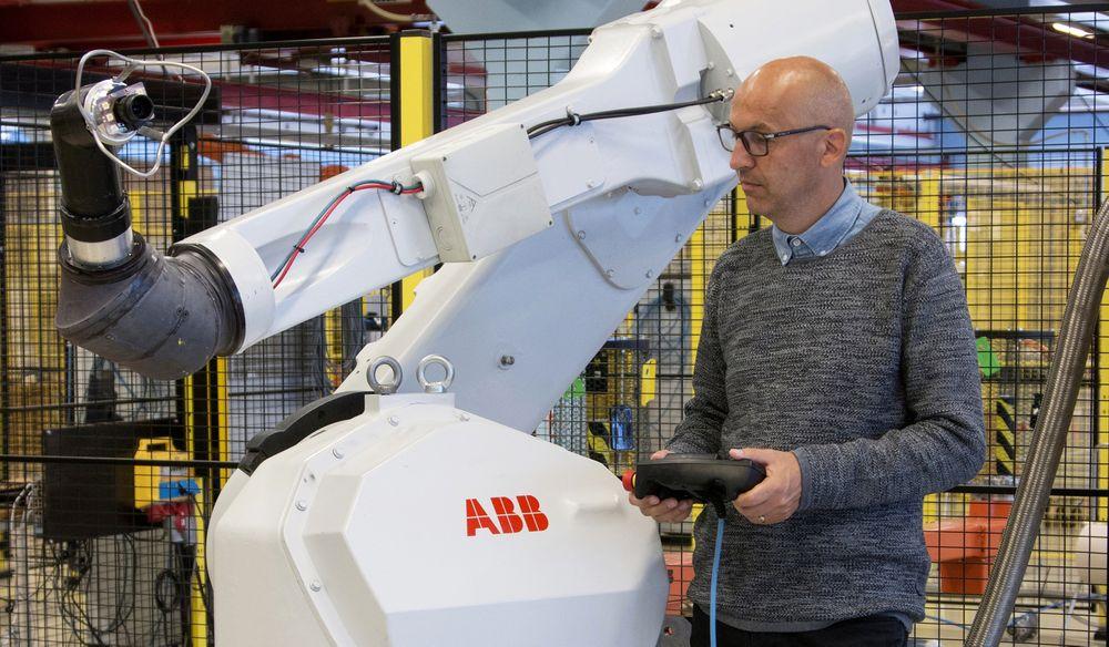Morten Mossige tar nærings-Ph.D. på testing av roboter.