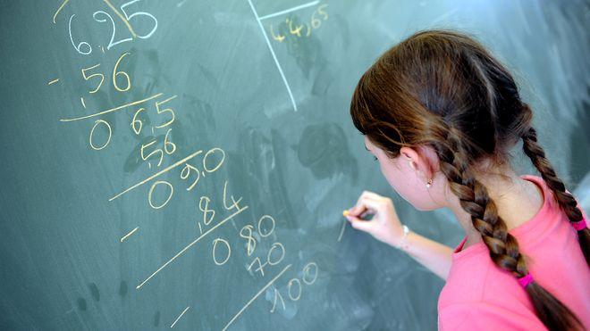 Ap: – Ja til flere realfagstimer i skolen