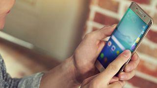 Samsung lanserer større Galaxy S6 Edge