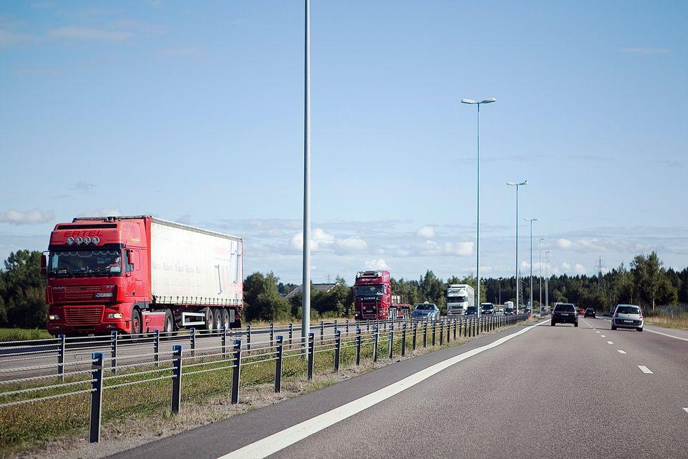 Det nye svoveldirektivet kan ifølge en ny rapport gi oppmot 190.000 flere vogntog på norske veier.