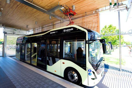 Ladestasjonene i Göteborg ble for første gang installert innendørs. Foto: Siemens
