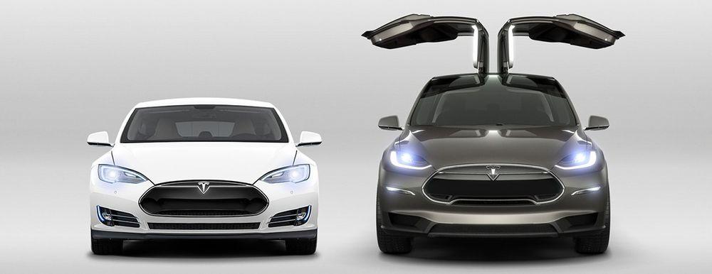 Tekniske utfordringer knyttet til de innovative falkevingedørene på Tesla Model X skal være blant de viktigste årsakene til at den store firehjulstrekkeren er over halvannet år forsinket. Nå melder Tesla at el-SUV-en er klar for levering i september.