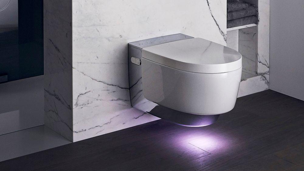 Sveitsiske Geberit prøver å gå japanerne en høy gang med sin nye toalett-toppmodell.