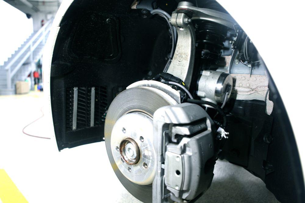 En støtdemper kan generere strøm under kjøring. Bildet viser Levant Powers' GenShock-system, som ble lansert i 2009. Foto: Levant Power