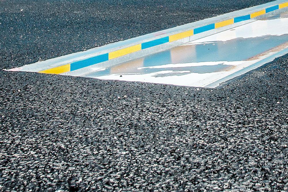 Betydelig effekt: Slike fallemer er installert i fire av veibanene på Øresundsbroen, med oppsiktsvekkende resultater.