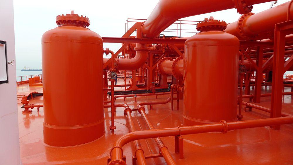 Rederiet Knutsen trodde de hadde funnet en billig måte å hindre utslipp av miljøskadelige VOC-gasser fra skytteltankere, men det har vist seg at teknologien ikke fungerer som lovet.
