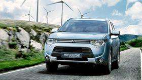 Mitsubishish populære Outlander PHEV har elektrisk firehjulsdrift.