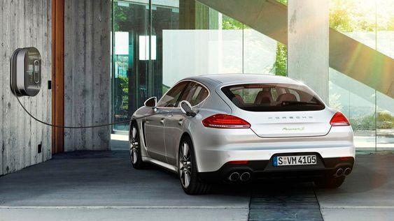 Porsche Panamera som ladbar hybrid.