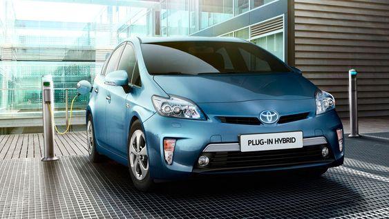 Toyota Prius fåes også som ladbar hybrid.