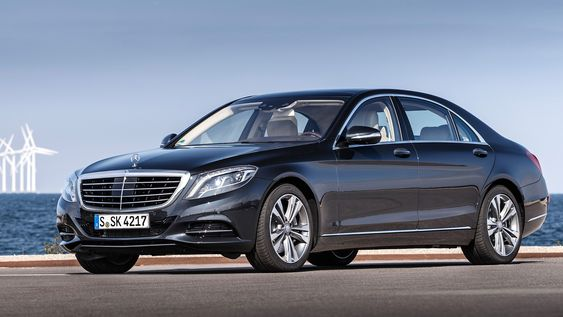 Luksusbilen Mercedes-Benz S500 i hybridversjon.