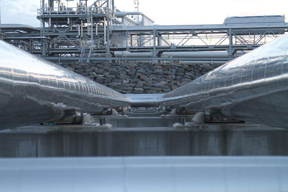 Shell får nytt anlegg fra ABB som skal kompensere for svingninger i nettet på Nyhamna og gi færre stopp i gasseksporten til England.