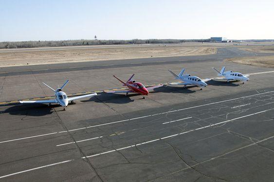 Her er den sju år gamke SF50-prototypen samlet med de tre testflyene som alle fløy første gang i fjor.